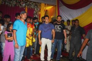 Salman Khan Ganpati Visarjan - Video