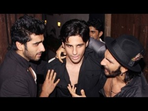 OMG - Ranveer Singh offers Condoms to Arjun Kapoor