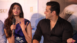 Athiya Shetty's reaction on meeting Salman Khan for the first time is Priceless