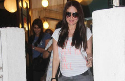 Mommy to be Kareena Kapoor Khan spotted on a salon outing