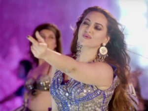 You won't be able to take your eyes off Sonakshi Sinha in 'O Janiya' from 'Force 2'
