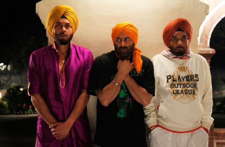 Gajodhar Singh in 'Yamla Pagla Deewana'