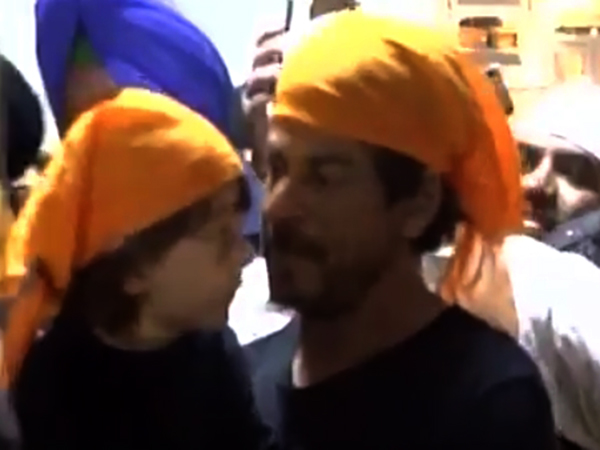 WATCH: Shah Rukh Khan seeks blessings at Golden Temple with son AbRam