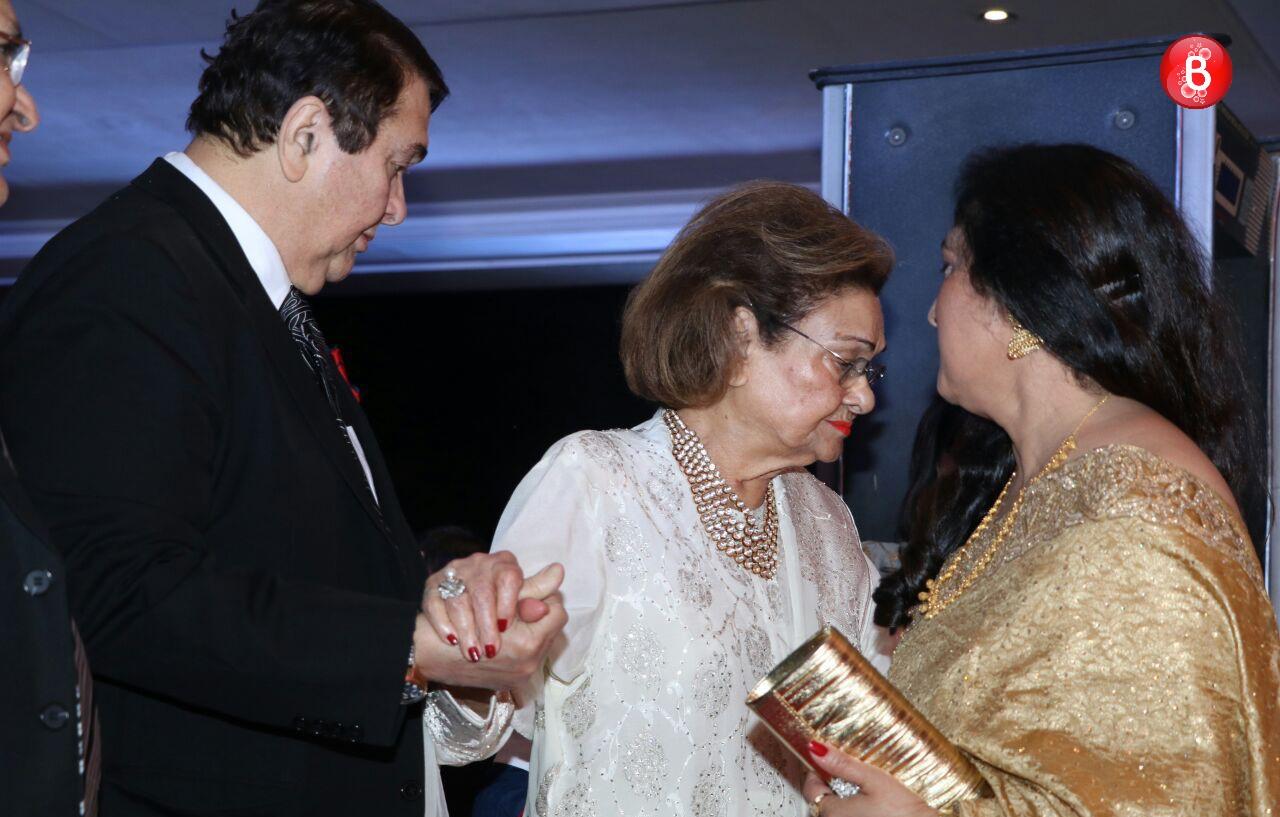 Randhir Kapoor with mother Krishna Raj Kapoor