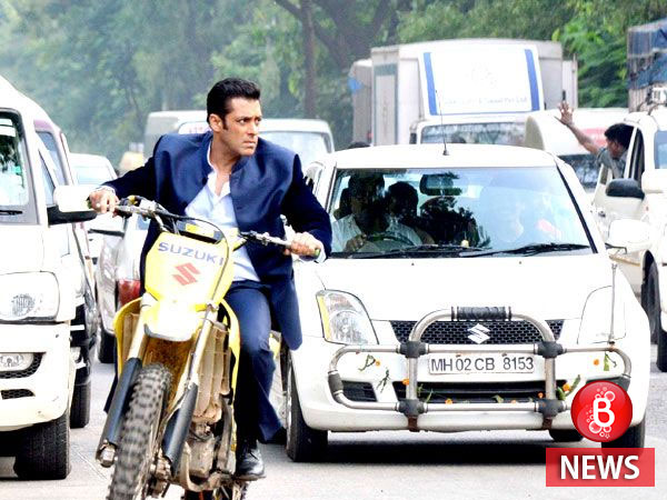 Angad Bedi training hard to go up against Salman Khan