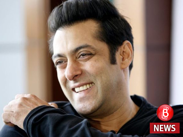 Salman rubbishes media rumours about returning 55 Crores for Tubelight!