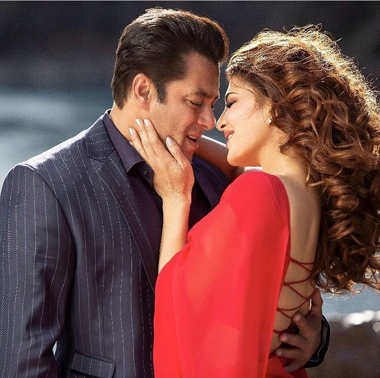 Salman and Jacqueline's sizzling chemistry
