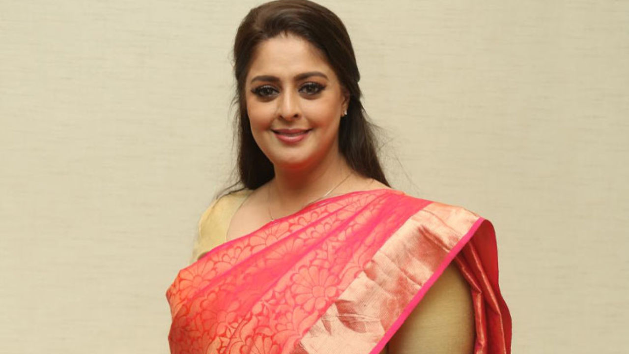Actress turned politician Nagma tests COVID positive even after her first  dose of the vaccine | Bollywood Bubble